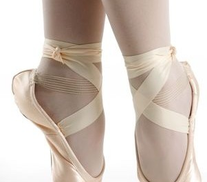 how-to-tie-pointe-shes