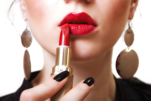 How to Put On Lipstick | Sophisticated EDGE