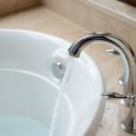 How to Fix a Bathtub Faucet Leak